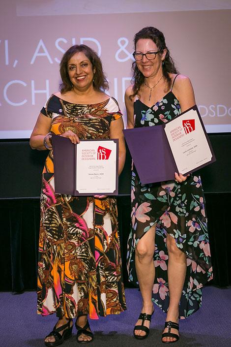 DI faculty member Anjum Razvi (left) receives her award