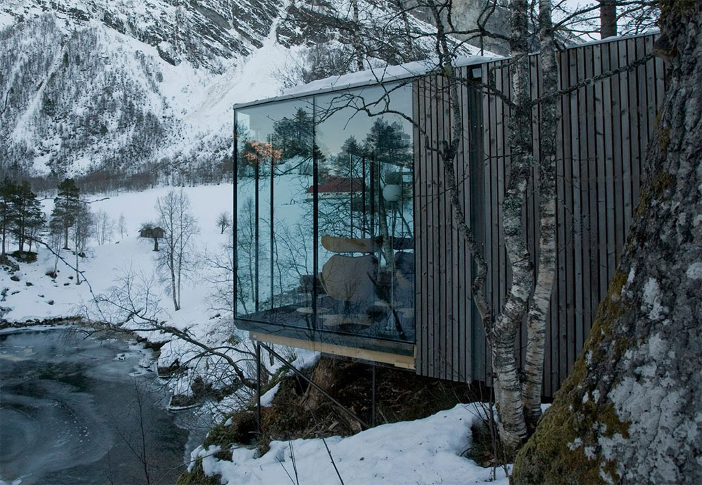 Cabin Design surrounded by snow