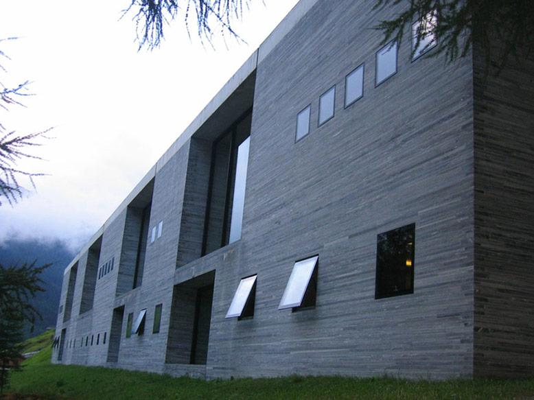 Exterior view of Therme Vals Interior Design