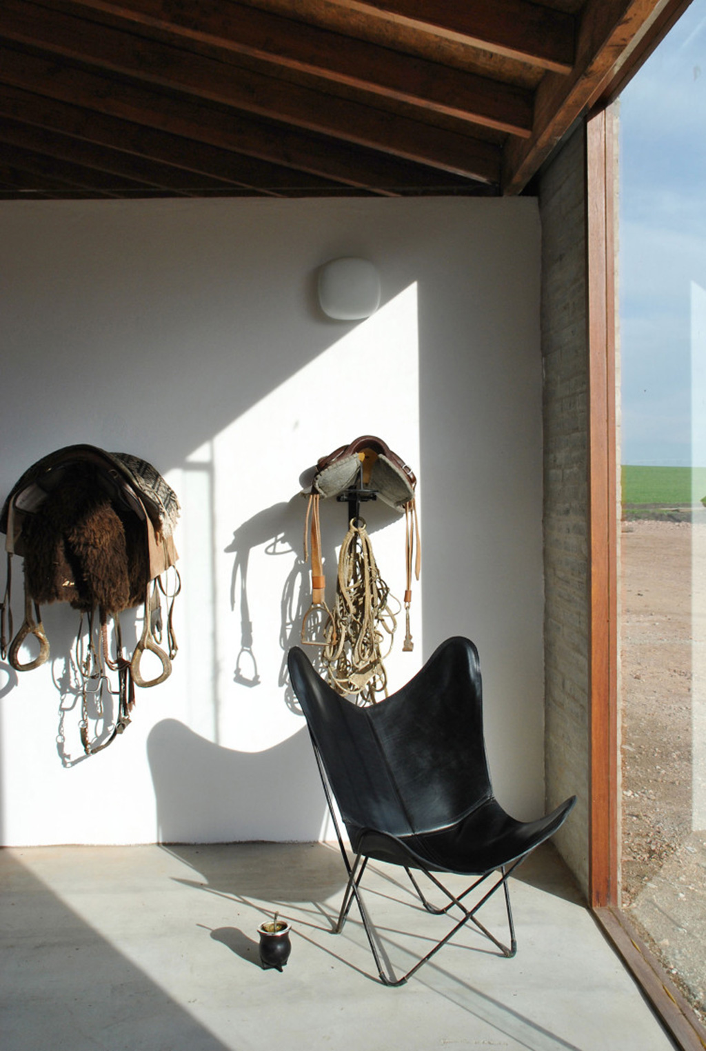equine design - La Solana Stable, Uruguay. Designed by architect Nicolas Pinto da Mota