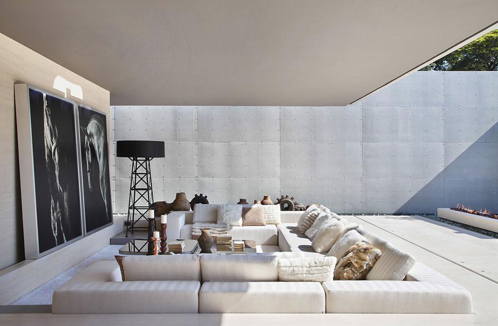 Villa Deca by Guilherme Torres | Indoor And Outdoor Living Spaces| DI Interior Design Blog | Design Institute of San Diego