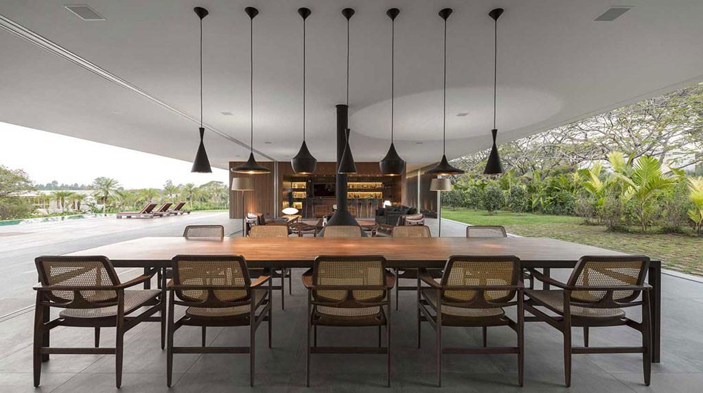 Lee House by Studio MK27 | Indoor / Outdoor Living Spaces | DI Interior Design Blog | Design Institute of San Diego