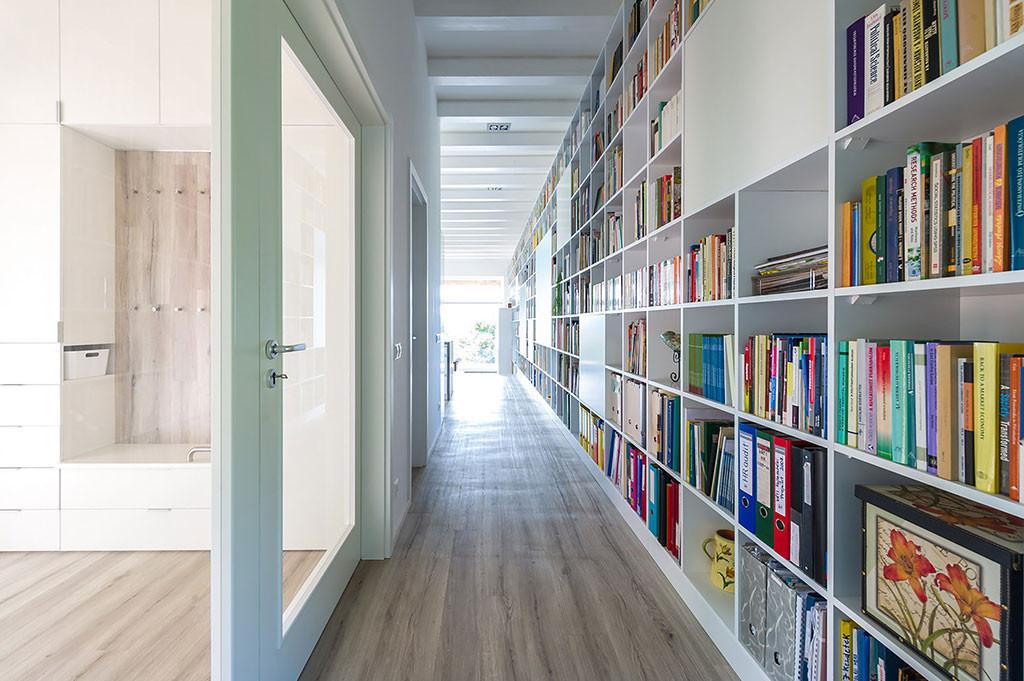 Long Brick House designed by Foldes Architects