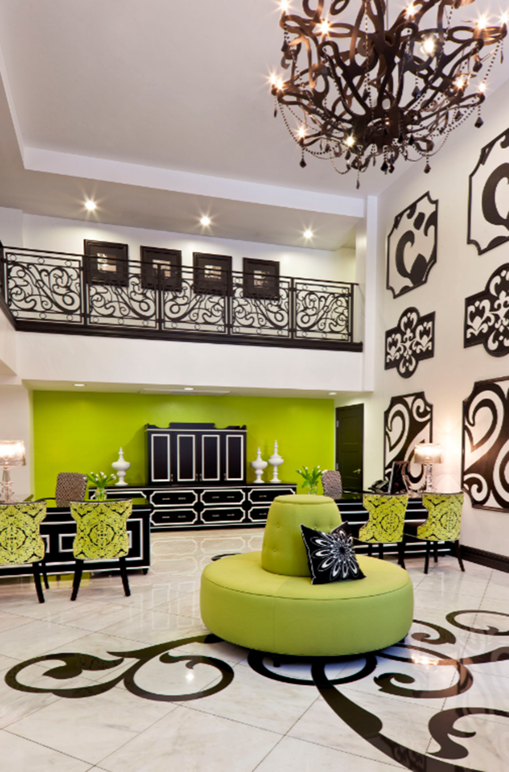 Another fantastic use of chartreuse from Robin Wilson Interior Design. Not only is Robin a Design Institute of San Diego graduate – she is a board member as well!