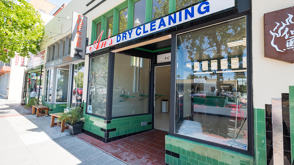 A shot of the An's Dry Cleaning's storefront